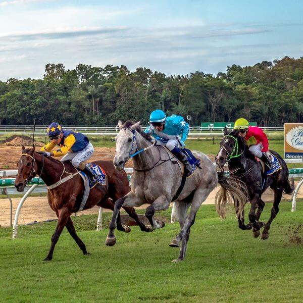 100 Club Race Day – June 2021