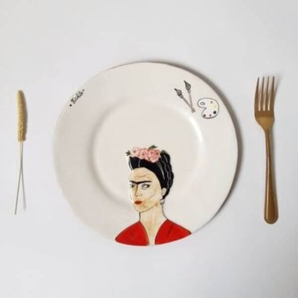 CAG Easter School Holiday Workshop – Portrait on a Plate with Amanda McGahan – Ages 11 to 15 Years